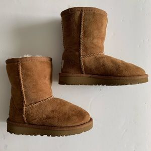 Ugg 5251T chestnut boots Toddler size 9 Uggs